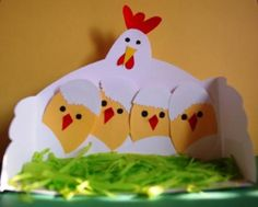 This Mother hen with her chicks is absolutely, positively, WAY too adorable (Spring craft, for child) Easter Arts And Crafts, Animal Crafts For Kids, Spring Crafts, Art For Kids, Easter Activities, Preschool Crafts, Kids Crafts, Activities For Kids, Chicken Crafts