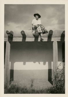 Getting some fresh Monday inspo from Georgia O'keeffe looking amazing on her Ghost Ranch. Definitely on the hit list of places to go! Georgia O'keeffe, Savannah Georgia, O Keeffe, Alfred Stieglitz, Land Of Enchantment, New York Art, American Artists, Artist At Work, Art History