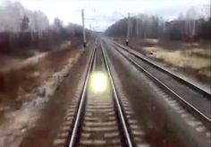 Estranhos Seres de luz Perseguem Trens na Rússia