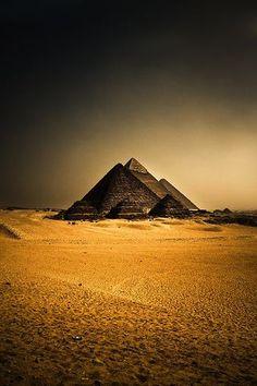 piramides egyptian