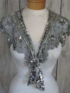 VINTAGE SILVER BEAD AND SEQUIN SHRUG SHAW COLLAR