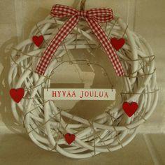Joku jouluinen kranssi ulko-oveen. Ei tarvitse lukea 'Hyvää Joulua'. Christmas Crafts, Christmas Tree, Valentine's Day, Seasons Of The Year, Scandinavian Christmas, Nordic Style, Diy And Crafts, Wreaths, Decoration