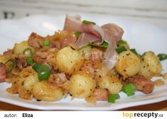 Gnocchi po česku - se zelím a slaninou recept - TopRecepty. No Salt Recipes, Bacon Recipes, Healthy Recipes, Czech Recipes, Russian Recipes, Ethnic Recipes, Cabbage And Bacon, Sauerkraut, Potato Salad