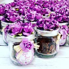 Yemeye kıyamayacagınız nikah şekeri fikirleri... #nikah #nikahsekeri #söz #nişan #hediyelik #kahve #türkkahvesi #badem şekeri #badem #şeker #şişe #kutu #pleksi #mika #çiçek #mini  #yenigelin #değişik #düğünhazırlıkları #düğün #dernek #hayırlısı #tasarimmalzemeleri #kişiyeözel #anı http://turkrazzi.com/ipost/1524458253822513968/?code=BUn9rR2ANMw