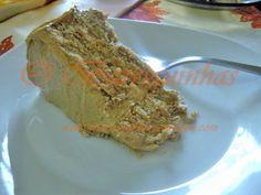 Bolo de Bolacha com Creme de Manteiga e Café