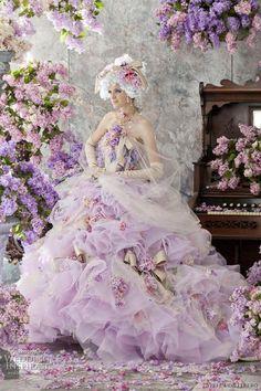 http://data.whicdn.com/images/20909566/stella-de-libero-2012-wedding-dresses_large.jpg