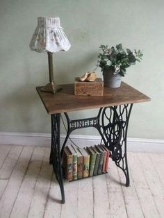 Many of us have in their home an old sewing machine that takes the dust and up space. You will find here 60 ideas for recycling your old sewing machine, ho