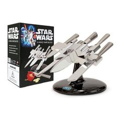 Star Wars X-Wing Knife Block Officially licensed Star Wars knife set looks like X-Wing spacecraft. Star Wars X-Wing knife block comes with stainless steel cook's knife, bread knife, carving knife, utility knife, and paring knife. Knife Block Set, Knife Sets, X Wing Star Wars, Cocina Star Wars, Kitchen Knives, Kitchen Gadgets, Kitchen Tools, Star Wars Kitchen, Knife Stand