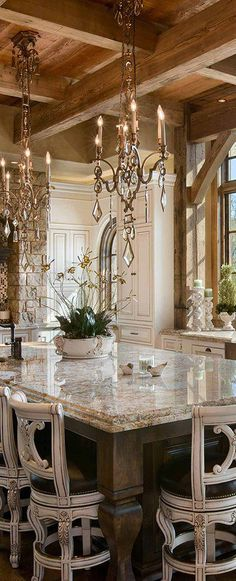 Locati Architects | Rustic Elegant Kitchen #kitchens #kitchenideas #TodoHogar