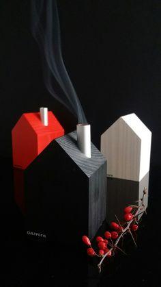 Räucherhäuschen gehen nicht nur an Weihnachten. Zumindest diese zeitlos, minimalistischen in aus traditioneller Fertigung. Absolute Lieblingsstücke. #weihnachten #räucherhaus #design #minimalistisch #weihnachtsdeko #haus #räucherkerzen #handgemacht #erzgebirge #christmas #smokinghouse