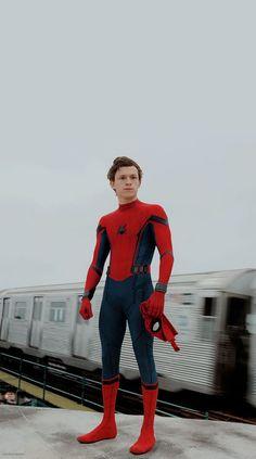 Tom Holland as Spider-Man Heroine Marvel, Pretty Boys, Cute Boys, Siper Man, Tom Peters, Tom Holand, Tom Holland Peter Parker, Marvel Photo, Avengers Wallpaper
