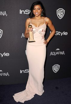 TARAJI P. HENSON goes from a caped white gown to a curve-skimming pale pink column with embellishment at the bodice, plus the best accessory of all (a Golden Globe!) at the InStyle/Warner Bros. Golden Globes 2016, Golden Globes After Party, Pink Gowns, White Gowns, Celebrity Red Carpet, Celebrity Style, Trendy Dresses, Nice Dresses, Green Gown