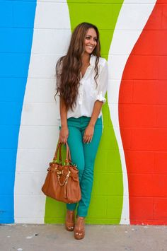 oversize white tunic + pop color skinnies + neutral accessories. More fashion at www.jeannelm.com.