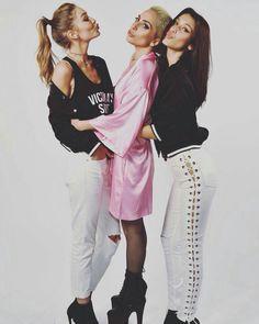 #Backstage #VS #VSFS #VSFS2016 #VSFashionShow #Angels #Rehearsals #Showtime #Paris #VictoriasSecret #Romee #Izabel #VSFSParis16 #Jasmine #MarthaHunt #StellaMaxwell #BellaHadid #GigiHadid #LadyGaga