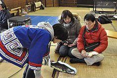 アイヌ文化に触れた一日 絵本楽しみ民具も体験|苫小牧民報社