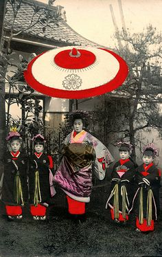 Tayuu and four Kamuro 1905