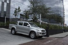 TOYOTA SOUTH AFRICA ENDS 2012 AS MARKET LEADER FOR 33 CONSECUTIVE YEARS