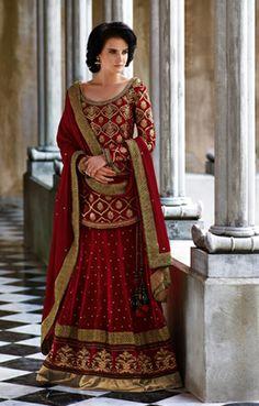 Browse through Kopanaa Creations Indian wedding dresses and lehenga collection at MyShaadi. Find the perfect wedding dress by Kopanaa Creations Lehenga Style, Red Lehenga, Party Wear Lehenga, Bridal Lehenga, Lehenga Choli, Sharara, Churidar, Pakistani Wedding Outfits, Pakistani Dresses