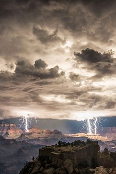 Gorgeous Landscape Photos Of A Grand Canyon Lightning Storm by Rolf Maeder