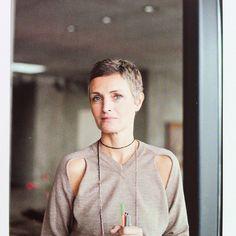 @linarennell | #books #berlin #hair
