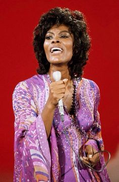 "*vintage shot of DIONNE WARWICK!~   ♥♥★ (≧◡≦) ( =':')—<[:]|||||||[:]> (..("")("")✿❀❁("")("