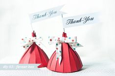 DIY: Adorable Wedding/Party Favour Boxes. The lovely Fanni over at Fubumedia has been beavering away on this fun little idea to share with us today.  A cute and unique favour box, just big enough to squeeze a couple of your favourite treats into as a delicious thank you for your guests.