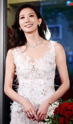 Lace Weddings, Wedding Dresses, Beautiful Women, Fashion, Alon Livne Wedding Dresses, Fashion Styles, Weeding Dresses, Wedding Dress, Wedding Dressses