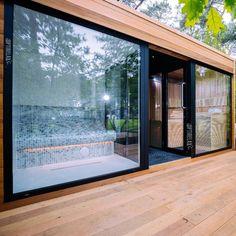 Luxus Kombisauna Indoor-Outdoor W3 Outdoor Sauna, Indoor Outdoor, Outdoor Living, Sea Containers, Container Shop, Steam Room, Bedroom Wall, New Homes, Spa