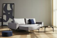 The Bragi lounger sofa is as precise, stylish, and modern as it is multifunctional. Its compactness, quality comfort and timeless design creates a long-lasting sofa bed. Sofa Design, Canapé Design, Interior Design, Innovation Sofa, Innovation Living, Canape D Angle Design, Danish Sofa, Sofa Manufacturers, Bed Photos