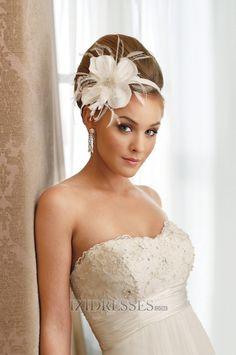 Sheath/Column Strapless Lace Wedding Dress - IZIDRESS.com