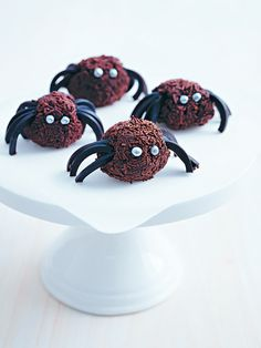 Halloween Chocolate Spiders | Donna Hay