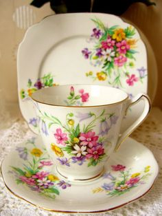Very pretty teacup!  Bell Bone China Trio Tea Set.  Old Country Spray Pink Gold Flora.