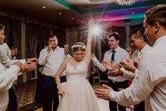 #weddingparty #bride #weddingdancefloor Dance Floor Wedding, Wedding Photos, Wedding Day, Wedding Preparation, Groom, Bridesmaid, Wedding Dresses, Fashion, Marriage Pictures