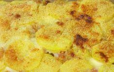 Parmigiana di patate - La parmigiana di patate è un piatto unico gustoso da preparare con patate lesse, mozzarella e parmigiano grattugiato. Si può mangiare fredda o calda a seconda delle preferenze