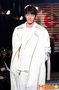 10/22 Seoul Fashion Week Sewing Boundaries 2016SS (Mydaily) #김우빈 #KimWooBin #SFW #sewingboundaries #16SS