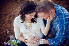Maternity. Posing.