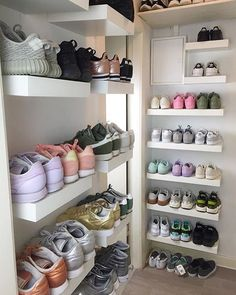 A Girls Sneaker Room ||