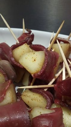 Pear and duck bites, simple and original party recipe - C gourmet secrets - Healthy Recipes ❤️ Brunch Appetizers, Best Appetizers, Brunch Recipes, Appetizer Recipes, Brunch Food, Brunch Party, Party Recipes, Tapas, Fingers Food