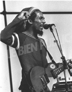 (VERY RARE) TUFF GONG PERFORMING SOUNDCHECK in DIJON, FRANCE on JUNE 6, 1980. ❤💛💚 Family First, First Love, Art Music, Music Artists, Bob Marley Pictures, Marley Family, Robert Nesta, Nesta Marley, The Wailers