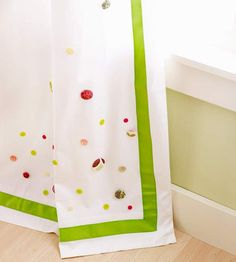 Craft ideas decorating with buttons curtains