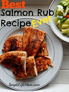 Best Salmon Rub Recipe Ever. A healthy homemade rub with chili powder, cumin, garlic, and paprika. Serve with lemon juice. A how to cook salmon instructions as well. Spinach Recipes, Salmon Recipes, Veggie Recipes, Seafood Recipes, Cooking Recipes, Healthy Recipes, Fish Recipes, Veggie Food, Cooking Games