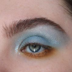 Turquoise and rust and glitter oh my! Eye makeup inspiration for this fall. Makeup Goals, Makeup Kit, Makeup Inspo, Makeup Inspiration, Beauty Makeup, Eye Makeup, Hair Makeup, Hair Beauty, Makeup Guide