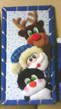 Christmas Baskets, Christmas Door Decorations, Christmas Ornaments, Diy Y Manualidades, Christmas Paintings, Stained Glass Patterns, Ideas Para, Snowman, Applique