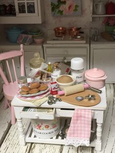 Pink and White Cookie Prep Table in by RibbonwoodCottage on Etsy Vitrine Miniature, Miniature Rooms, Miniature Kitchen, Miniature Furniture, Dollhouse Furniture, Clay Miniatures, Dollhouse Miniatures, Diy Tableau, Glass Cookie Jars