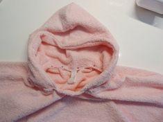 Kapuze annähen Fashion, Baby Sewing, Fabrics, Bathing, Handarbeit, Tutorials, Cowl, Moda, Fashion Styles
