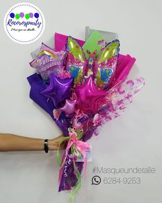 Balloon Crafts, Balloon Gift, Balloon Decorations Party, Balloon Garland, Alcohol Gift Baskets, Alcohol Gifts, Bunch Of Flowers, Unique Flowers, Valentines Balloons