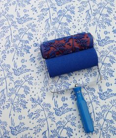 Faux Wallpaper Patterned Paint Rollers (http://blog.hgtv.com/design/2013/07/09/daily-delight-faux-wallpaper-patterned-paint-rollers/?soc=pinterest)