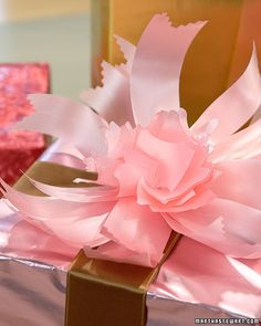 Peonies don't usually bloom in December, but this project allows you to create peony blossoms with simple bows.