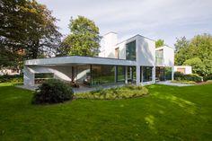 AVEK – House in a Garden Park / DEVOLDERarchitecten