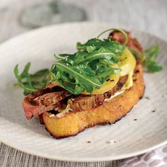 Open-Face Steak Sandwich with Pickled Green Tomatoes. Via F&W (www.foodandwine.com).